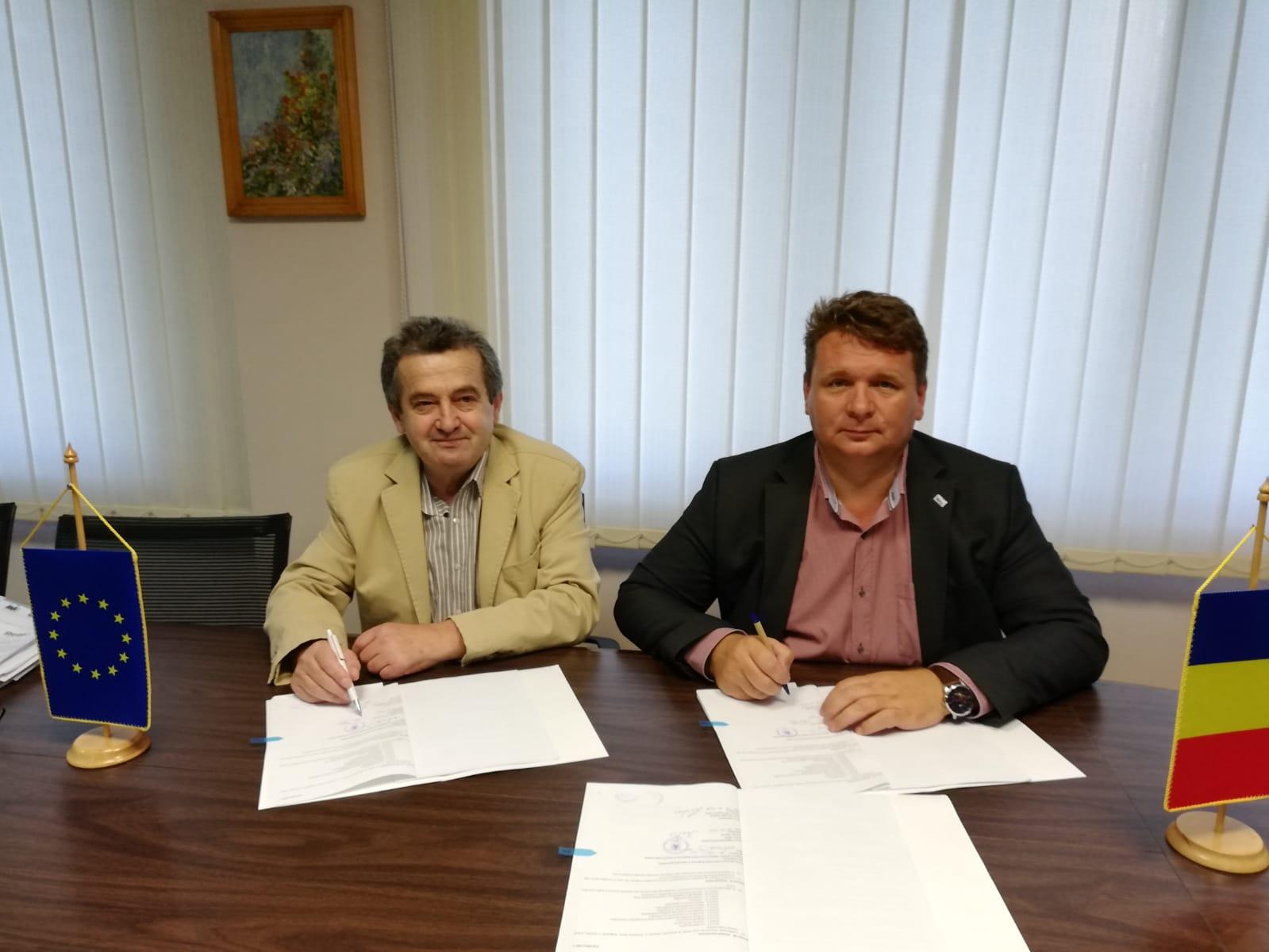 """Primarul Dorin Nistor a semnat, la sediul ADR Centru, contractul de finanțare pentru Proiectul """"Creșterea eficienței energetice a clădirii Contagioase din cadrul Spitalului Municipal Sebeș"""""""