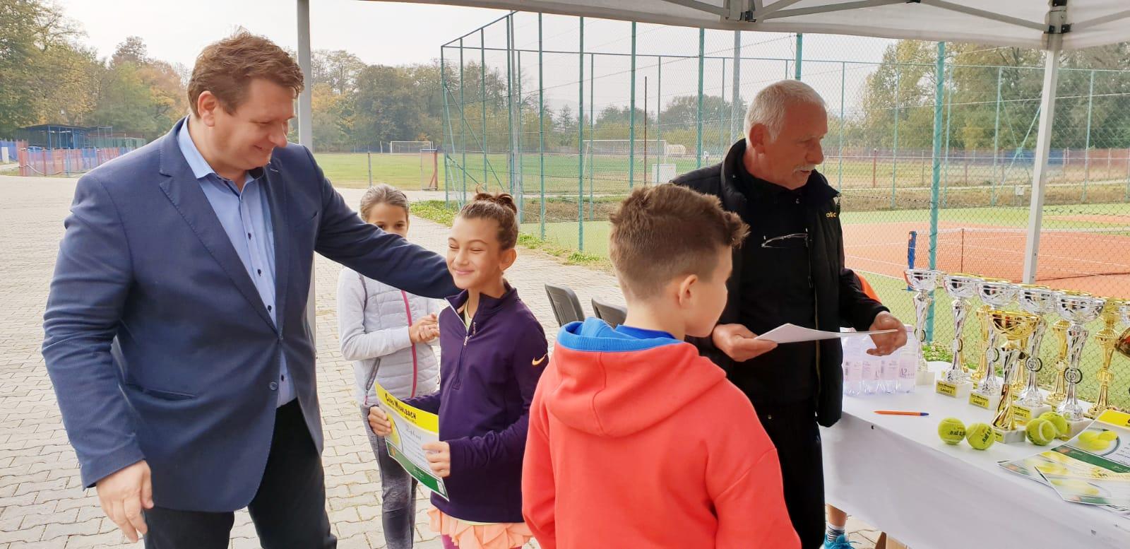 Municipiul Sebeș a depus, la Compania Națională de Investiții, proiectele pentru construirea a două baze sportive